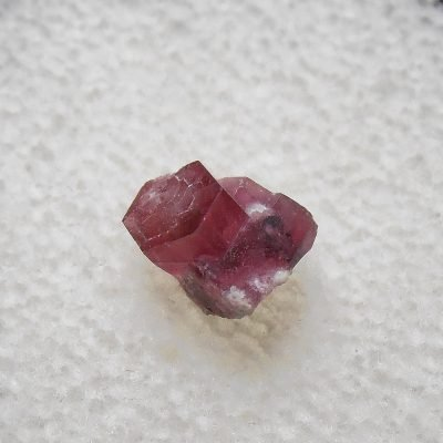 red beryl crystals