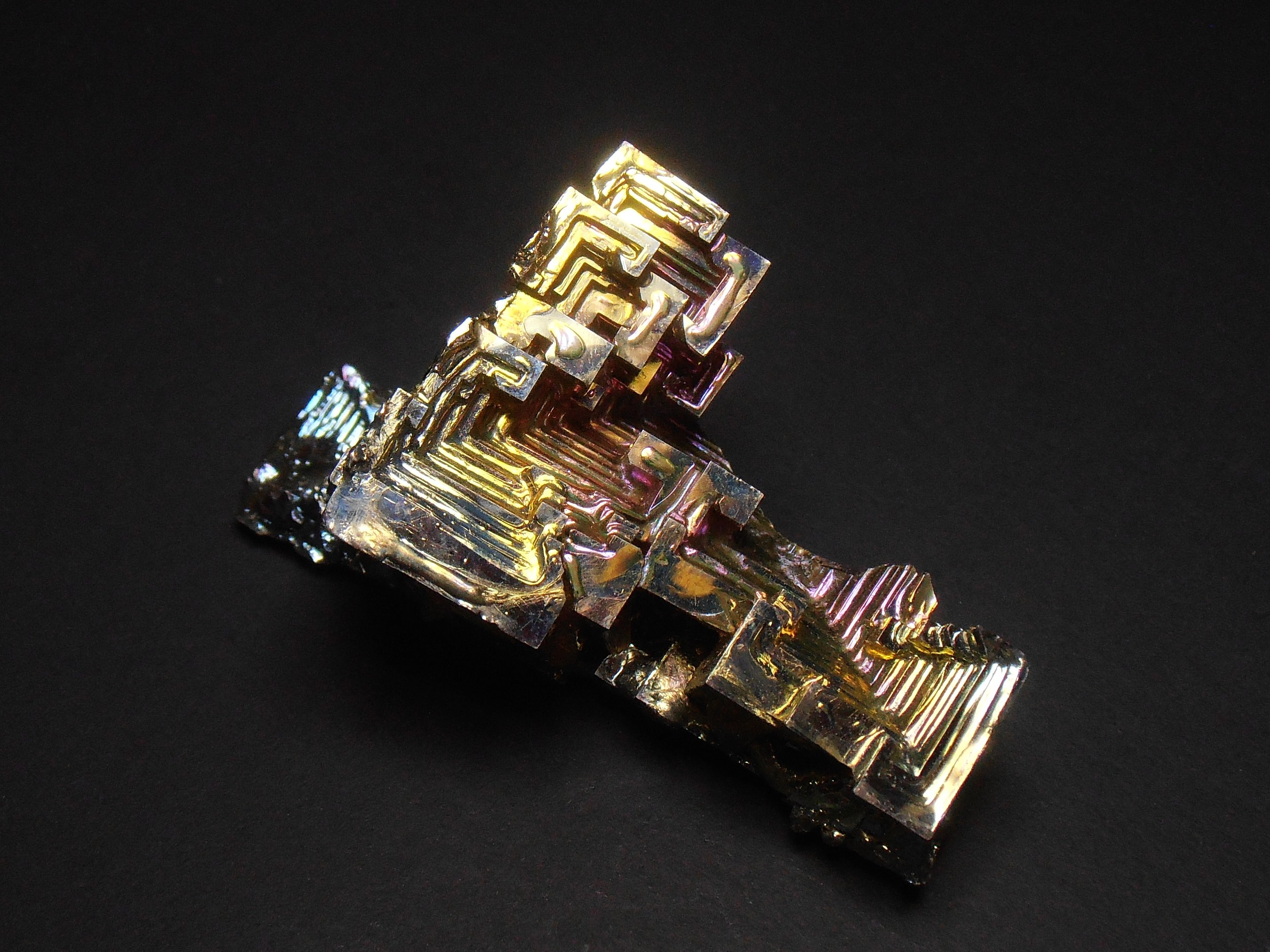 bismuth crystals man made