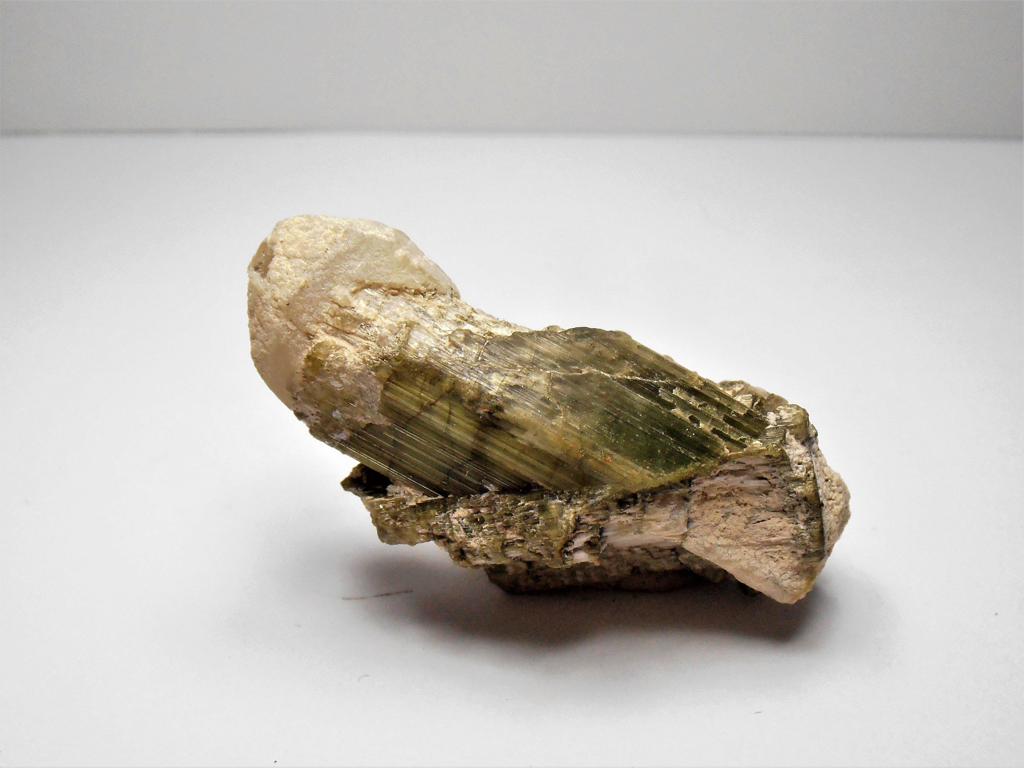 tourmaline urubu mine minas gerais brazil
