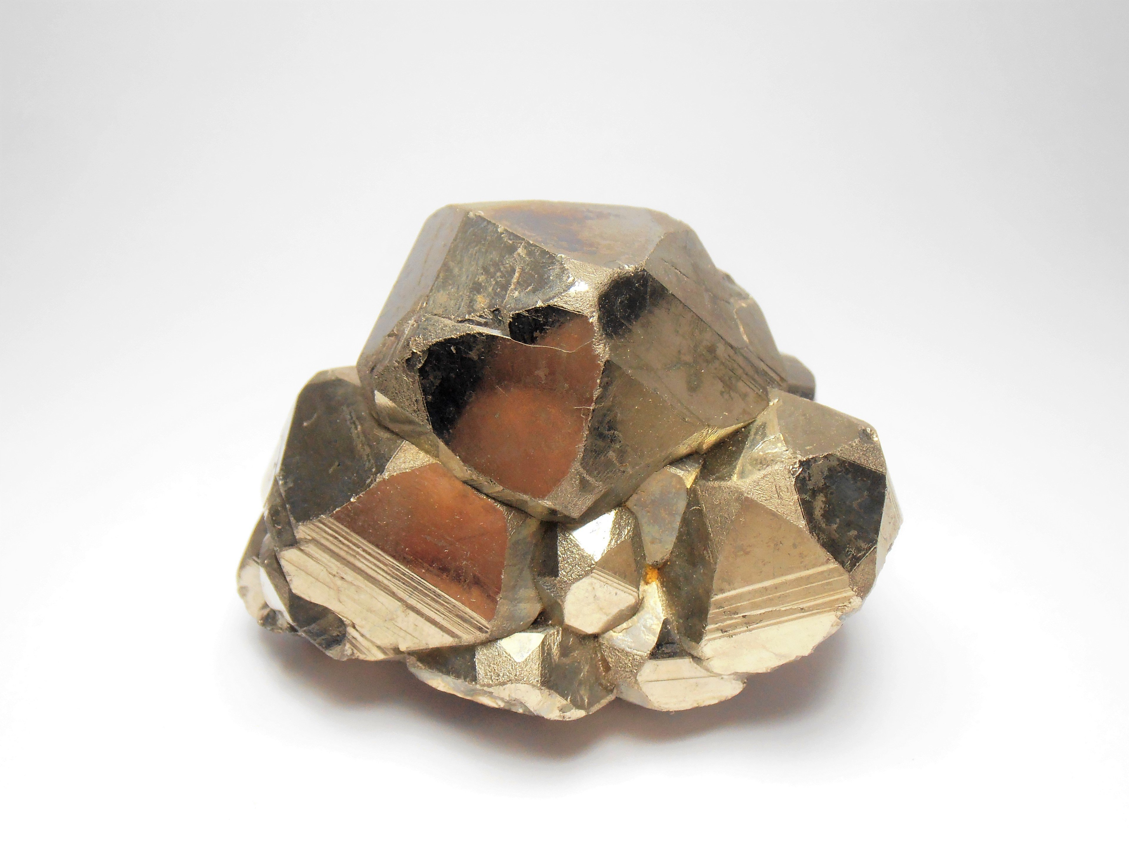 Pyrites with Modified Habits from the Huanzala Mine