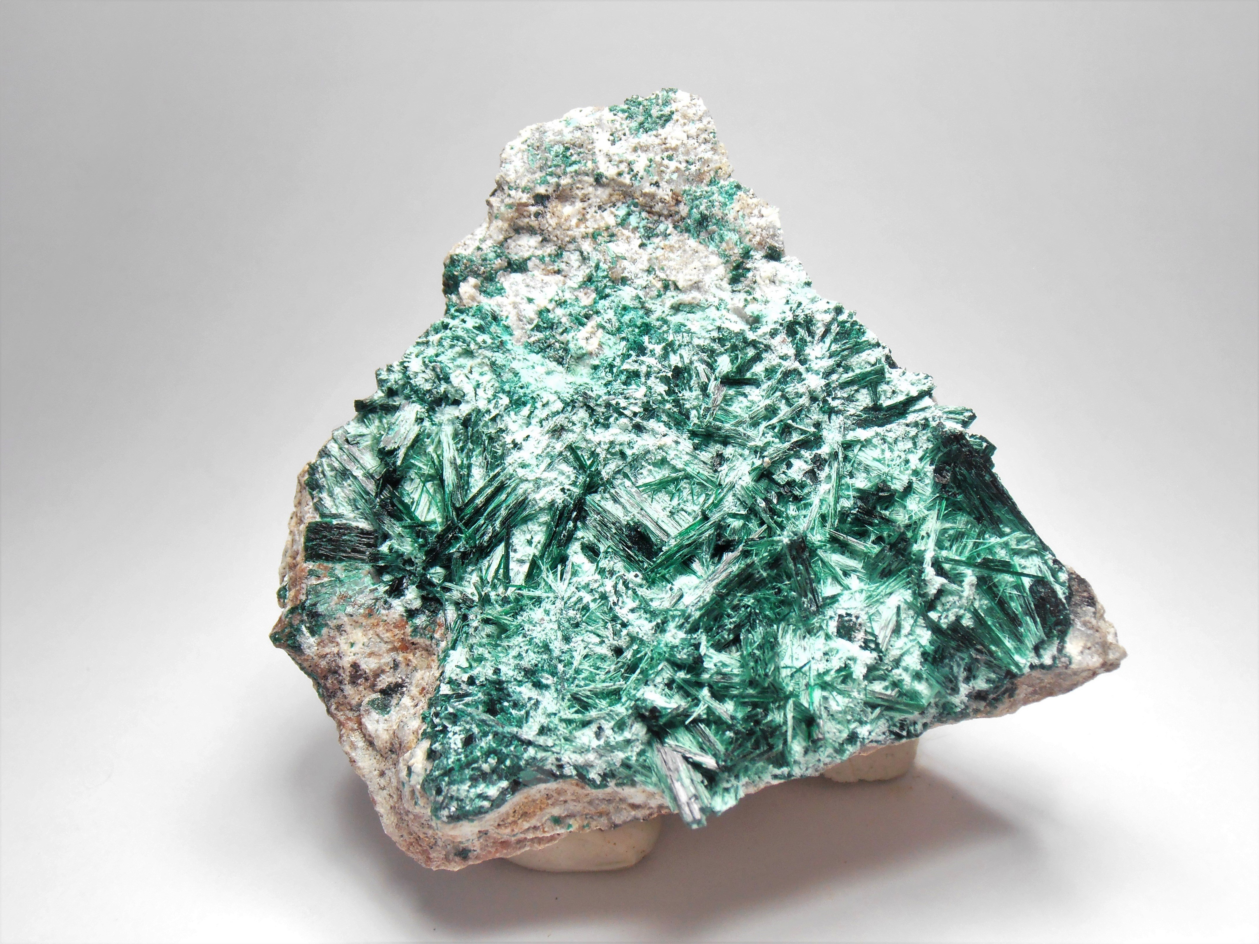 Brochantite - Prismatic Crystals from the Milpillas Mine, in Sonora