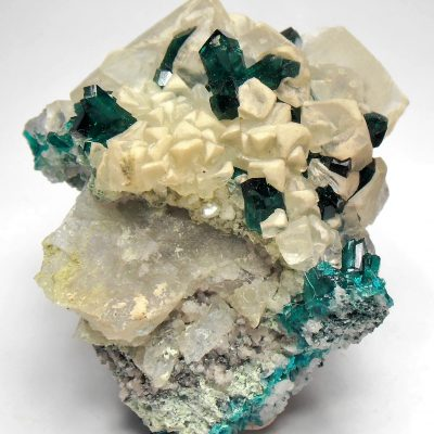 Dioptase on Calcite Crystals from the Tantara Mine
