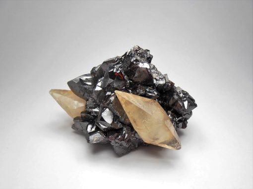 Calcites on Sphalerite from the Elmwood Mine, Tennessee