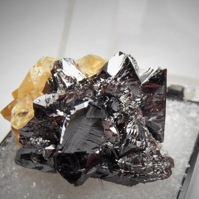 Sphalerite Crystal Rosette with Calcites - Elmwood Mine