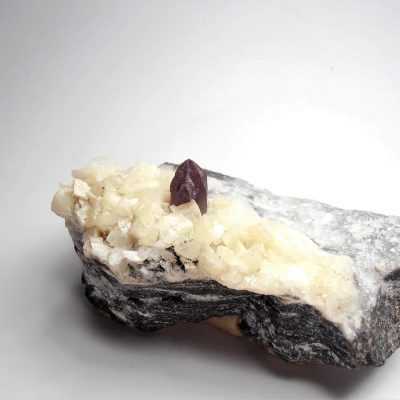 Cinnabar Crystal Twins on Dolomite from the Hunan Province