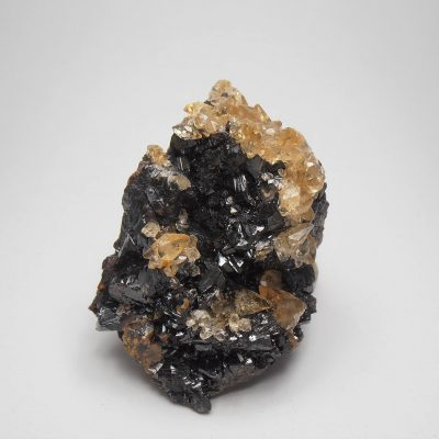 Calcites on Sphalerite from the Elmwood Mine