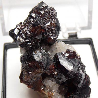 Sphalerite on Dolomite from the Elmwood Mine