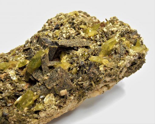 Titanite and Epidote - Fazenda Rubinho Pimenta Claim