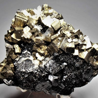 Pyrite with Sphalerite and Quartz from Huaron Mining District