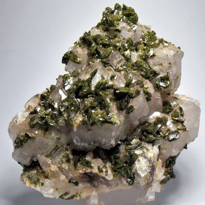 Epidote on Quartz from the Honquizhen Quarry