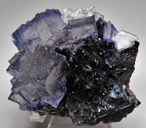 Fluorites on Sphalerites from the Elmwood Mine, Tennessee