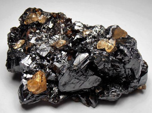Calcites on Sphalerites from the Elmwood Mine, Tennessee