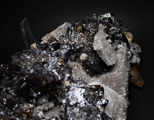 Sphalerite - Complex Crystals from the Elmwood Mine