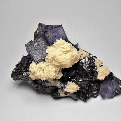 Fluorite on Sphalerite with Barite from the Elmwood Mine