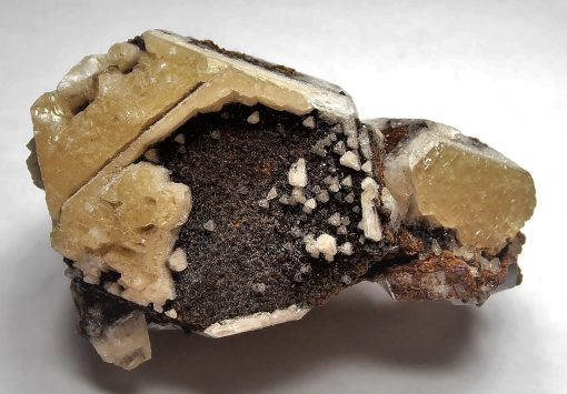 Dolomite on Magnesite from the Pomba Pit in Serra das Eguas