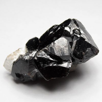 Cassiterite Crystal Twinning from the Pingwu Beryl Mine