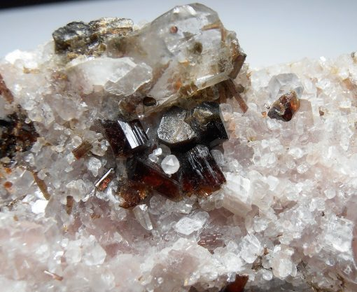 Dravite Tourmalines on Magnesite from the Pompa Pit, Serra das Egus